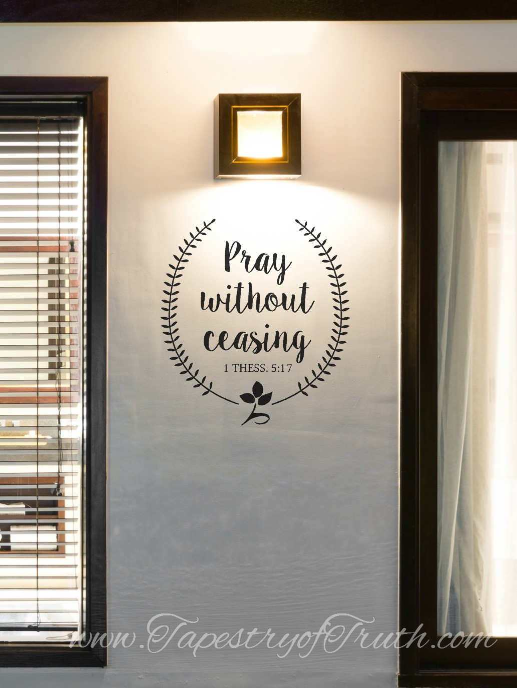 1 Thess 5:17 Wreath Decal1